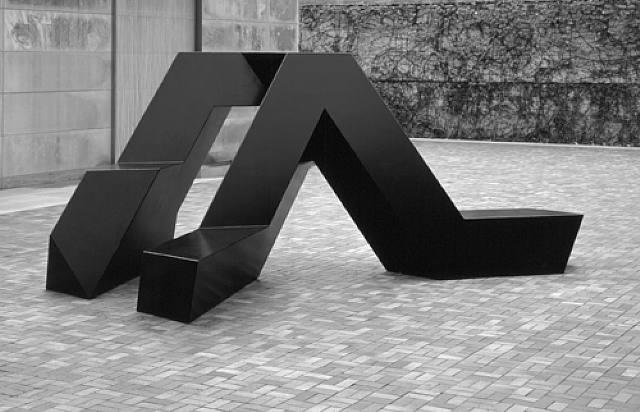 escultura minimalista de Tony Smith