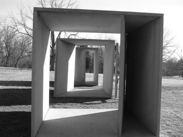 Escultura minimalista de Donald Judd