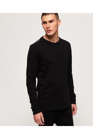 ropa minimalista para hombre