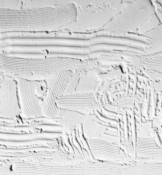 escultura minimalista sobre yeso