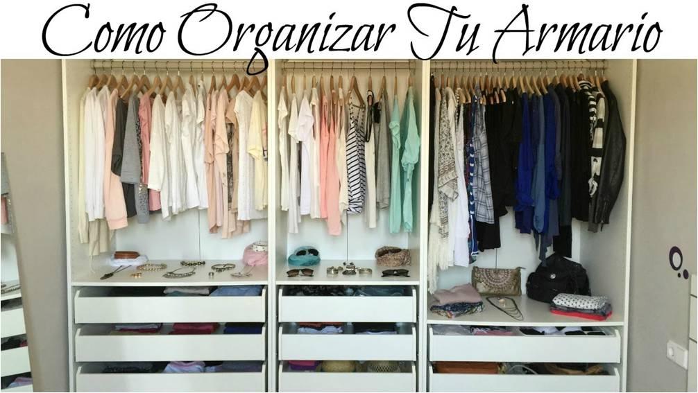 armario de ropa organizado como un minimalista lo haría